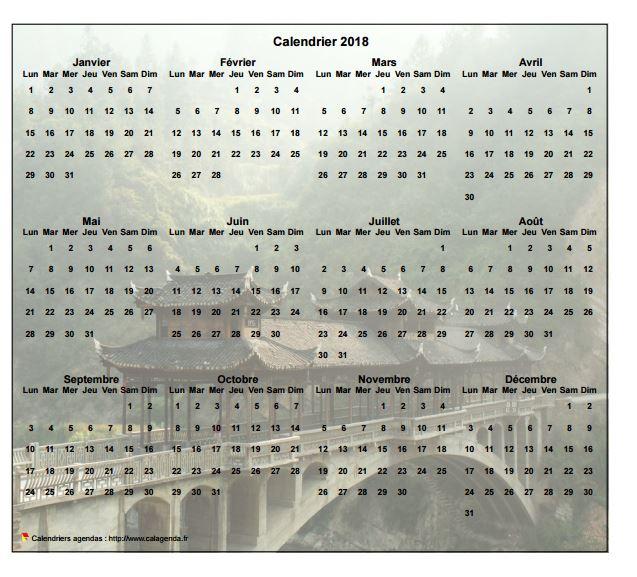 Calendrier 2018 annuel à imprimer, format paysage, quatre colonnes par trois lignes, par dessus une photo