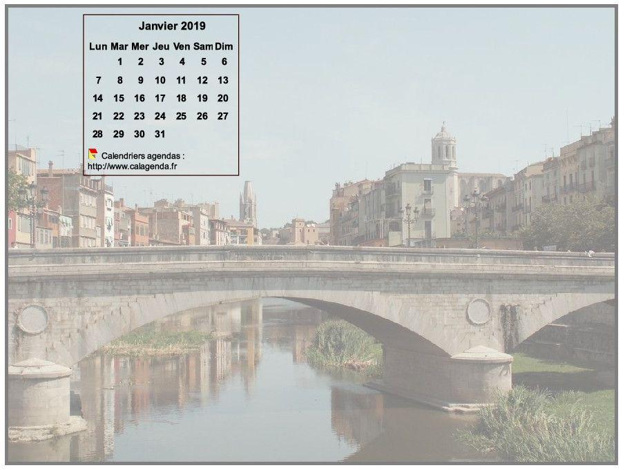 Calendrier mensuel 2019 à imprimer, incrusté en haut à gauche d'une photo