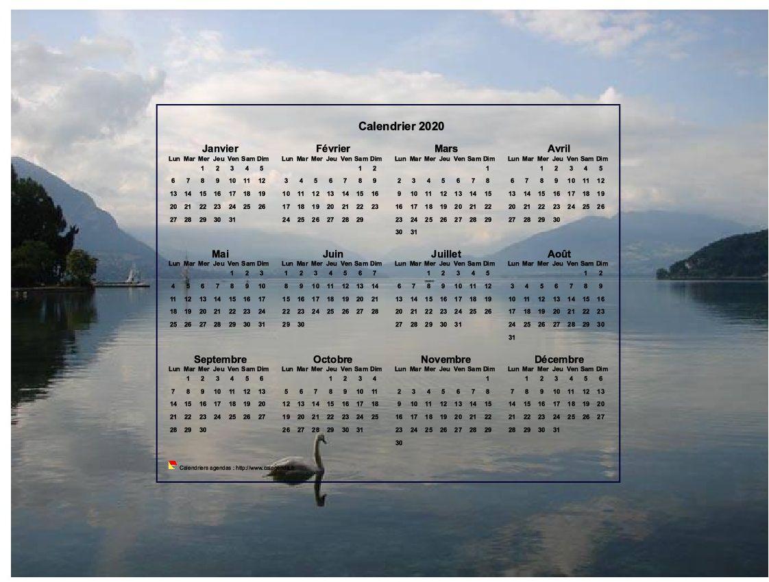 Calendrier 2020 annuel, format paysage, quatre colonnes par trois lignes, incrusté au centre d'une photo